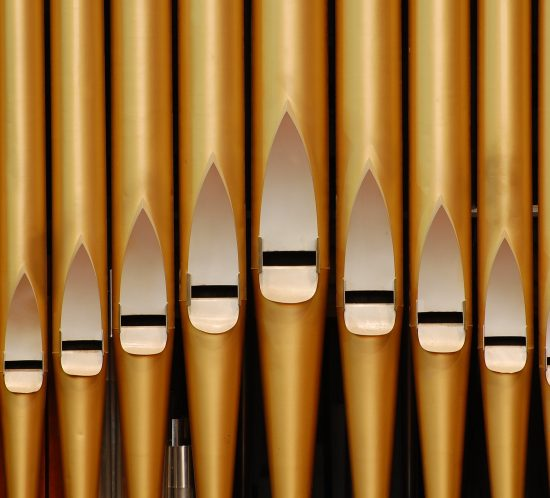 gold pipe organ pipes